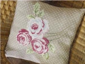 Floral cushion-cross stitch design